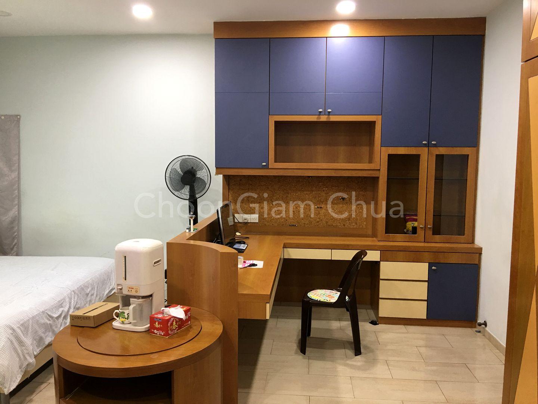 3rd Floor Bedroom 5 study corner