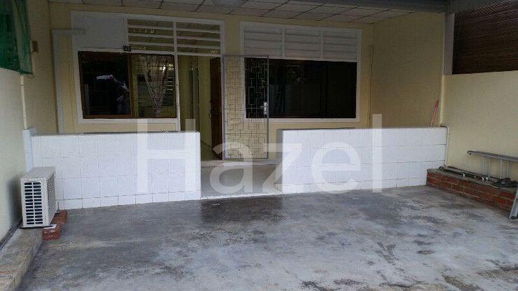 landed house for rent near bedok mrt 6 min walk free parking