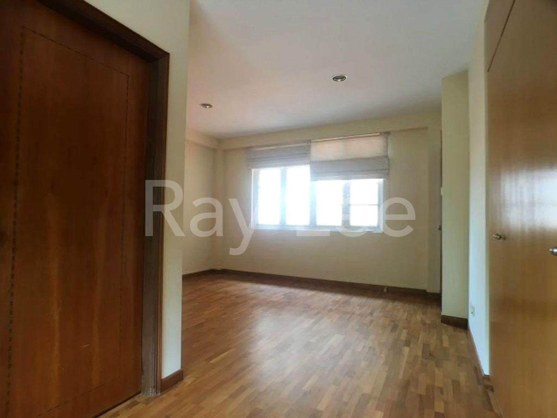 Woodgrove Estate Master Bedroom 03