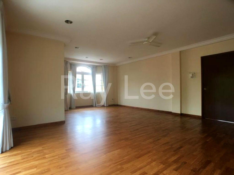 Woodgrove Estate Master Bedroom 07