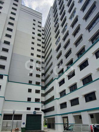 HDB-Hougang Block 576 HDB-Hougang