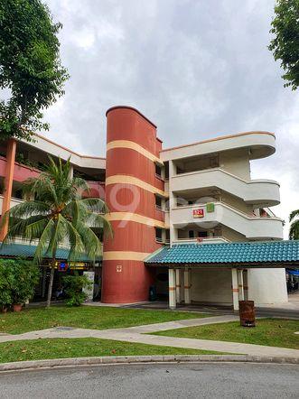 HDB-Hougang Block 121 HDB-Hougang