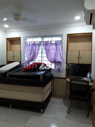 Spacious beautifully renovated bedroom no 2a