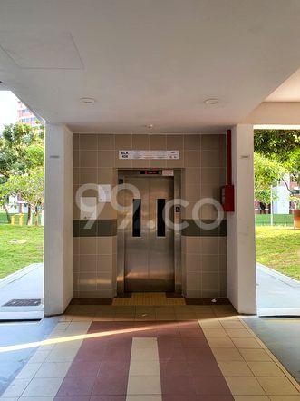 HDB-Hougang Block 456 Lift HDB-Hougang