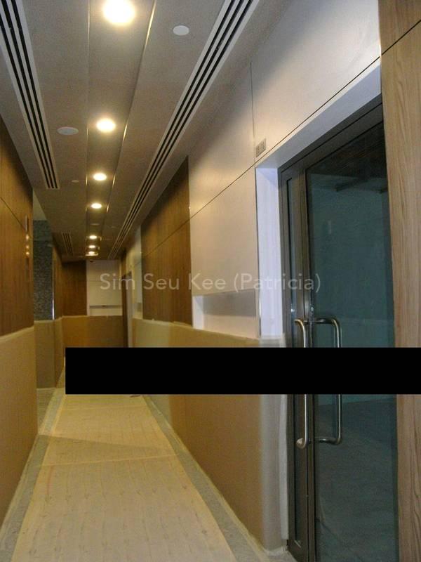 Passageway linked to hotel