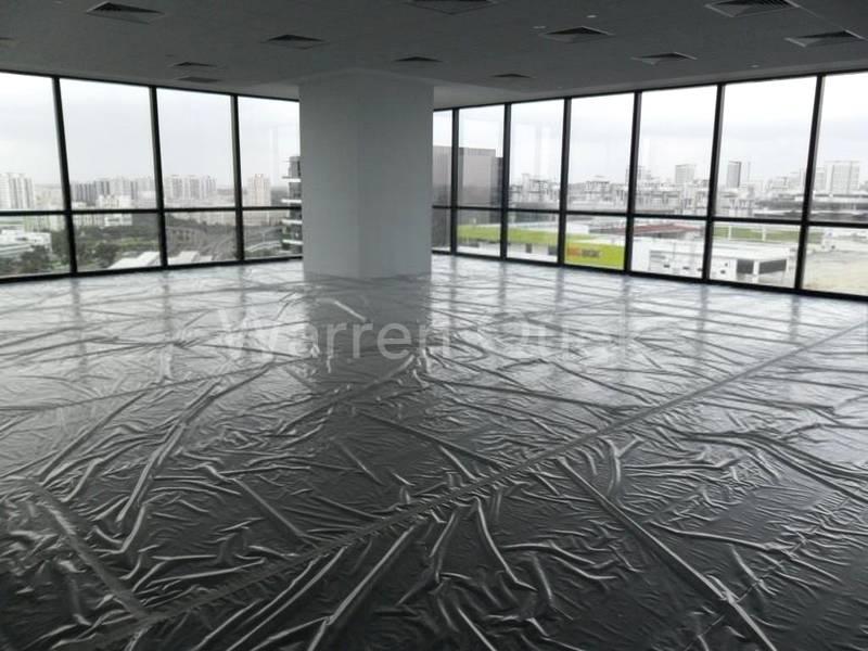 Large Floor Plate (Corner Unit)