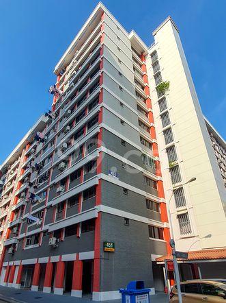 HDB-Hougang Block 451 HDB-Hougang