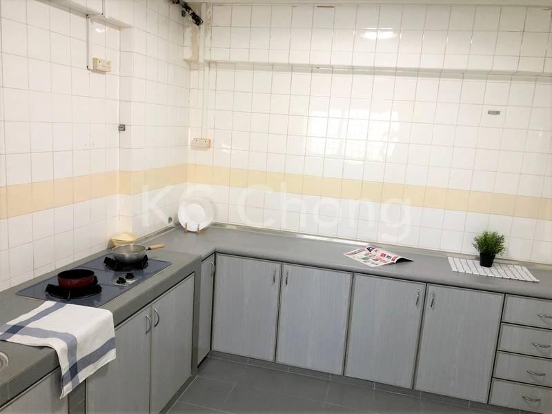 Blk 282 Toh Guan Road Kitchen 02