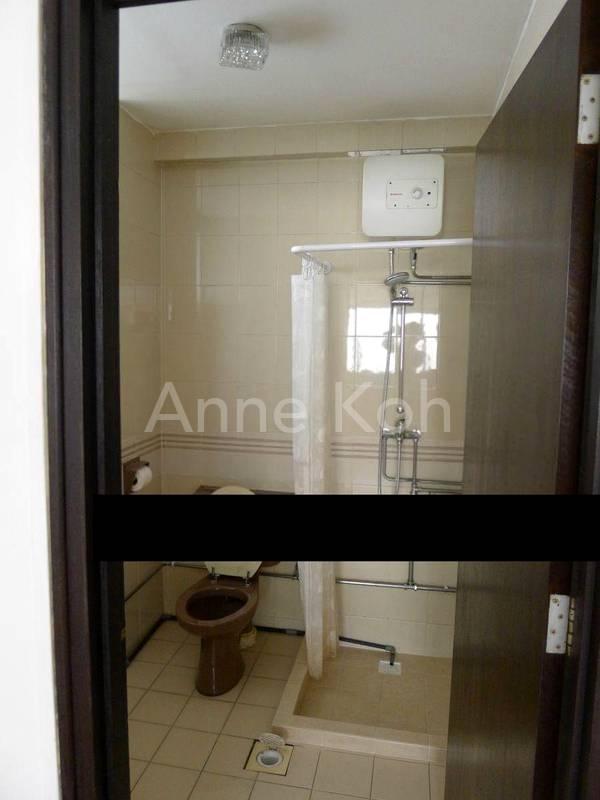 Bathroom2 w/Shower