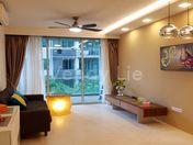 Living hall: tastefully renovated, LED lighting, bright unit