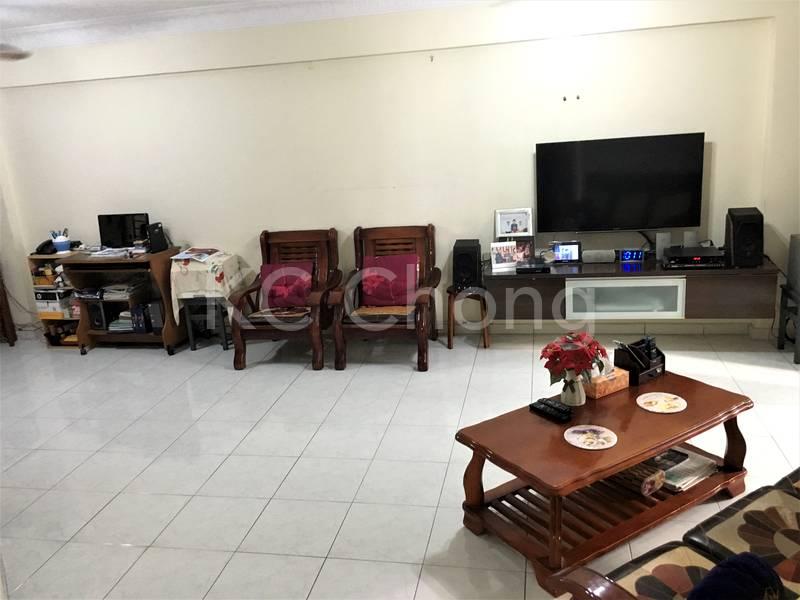 Blk 690 Jurong West Central 1 Living Hall 02
