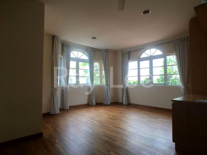 Woodgrove Estate Master Bedroom 05