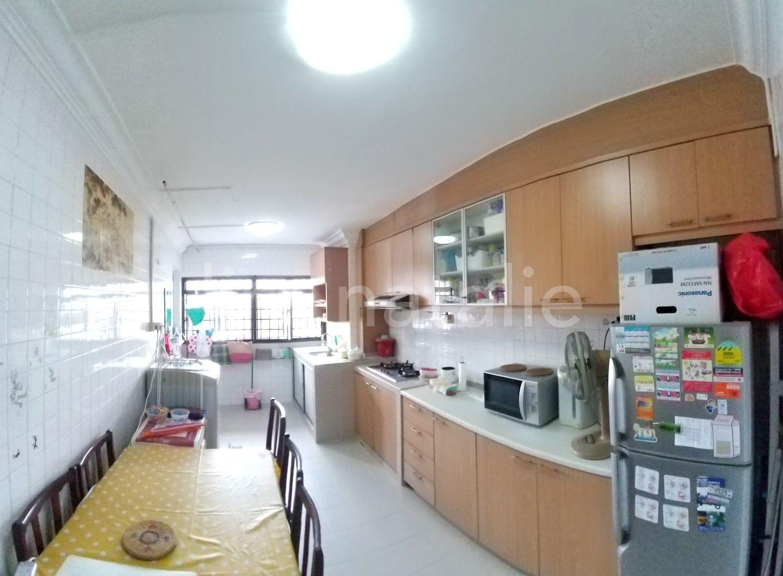 Beautiful bright spacious kitchen. Blk 223 Serangoon