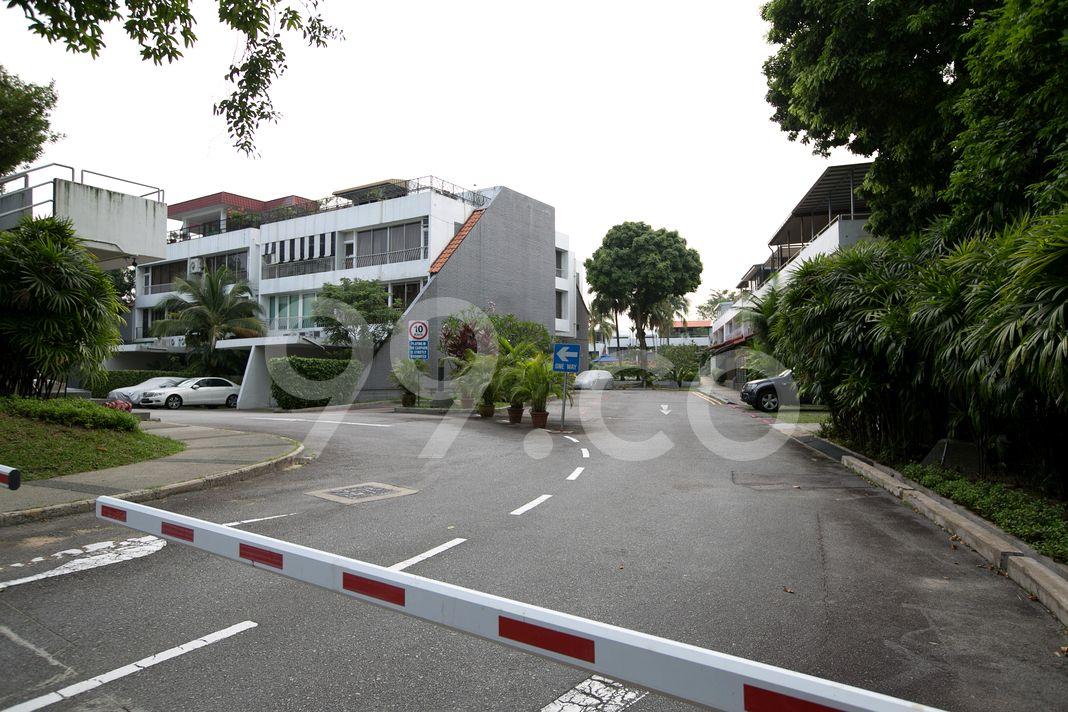 Watten Hill  Entrance