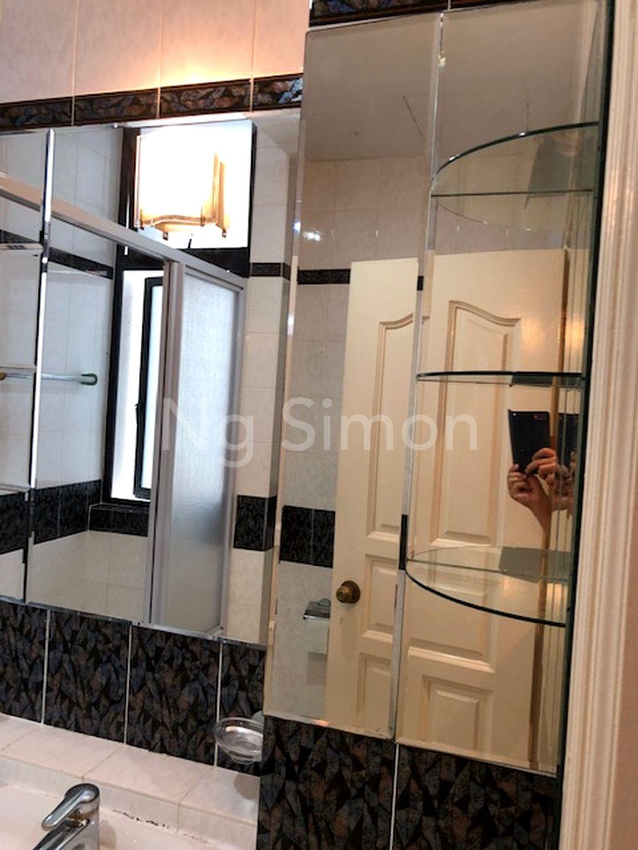 Common Bathroom (II)