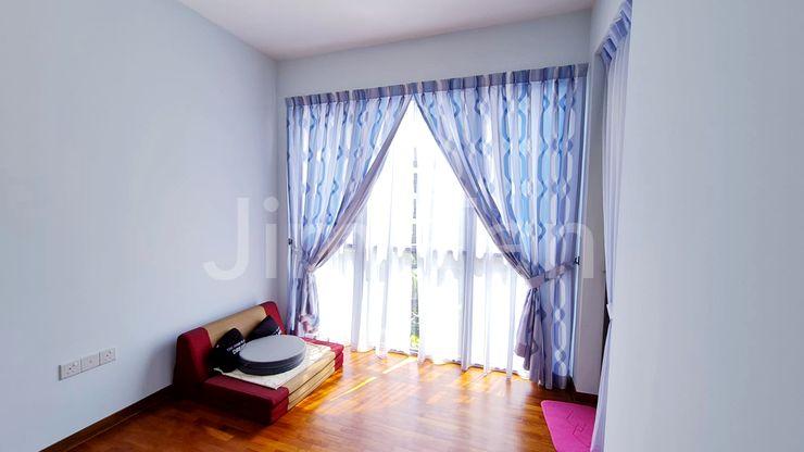 Very Spacious Bedroom 1