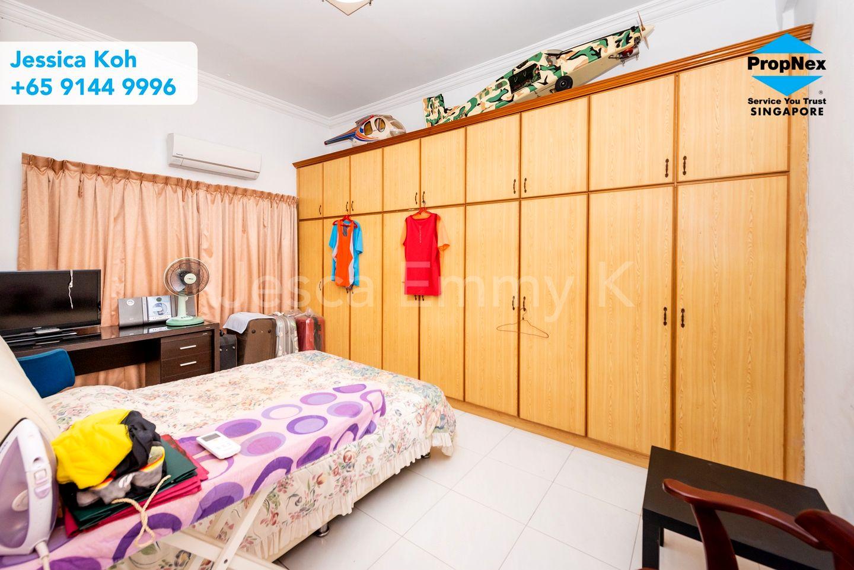 2nd bedroom (guest room)
