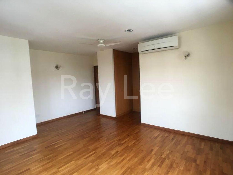 Woodgrove Estate Master Bedroom 06