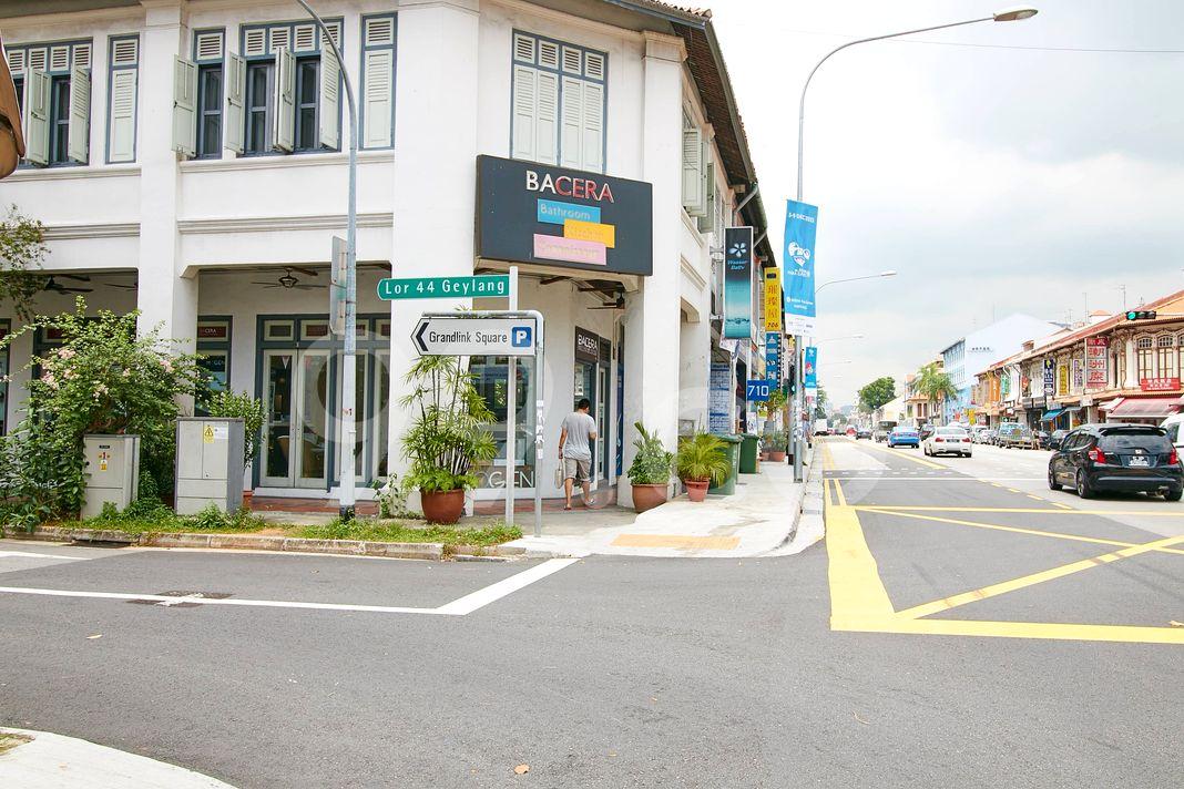 Grandlink Square  Street
