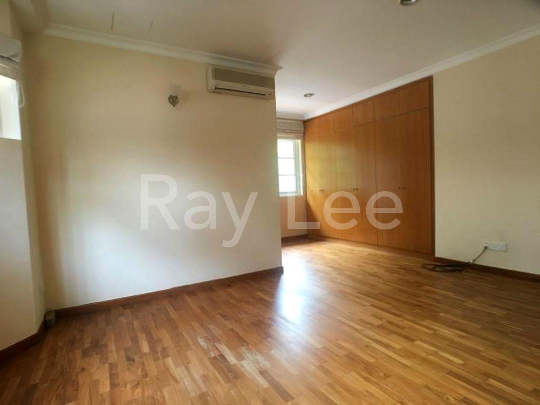 Woodgrove Estate Master Bedroom 04