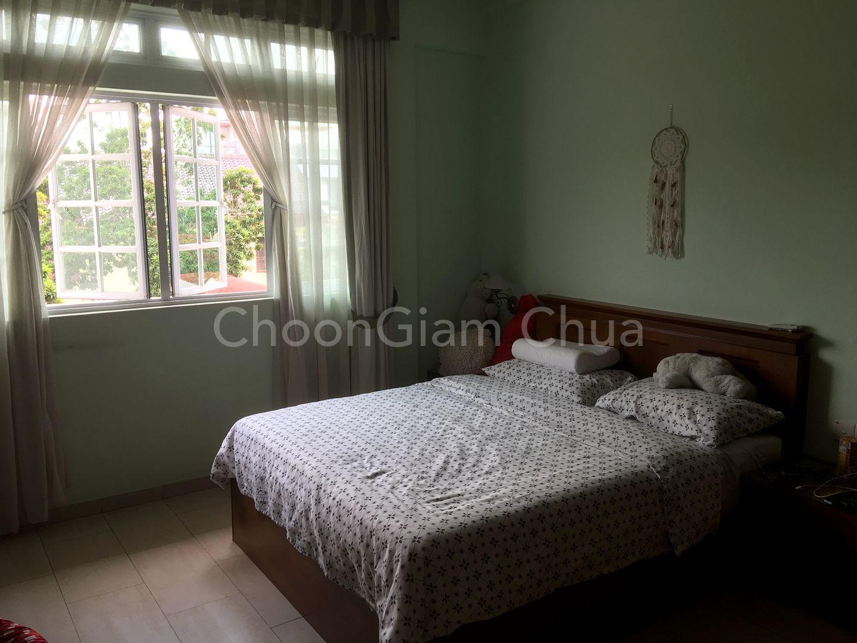 2nd Floor Bedroom 2 with queen size bed