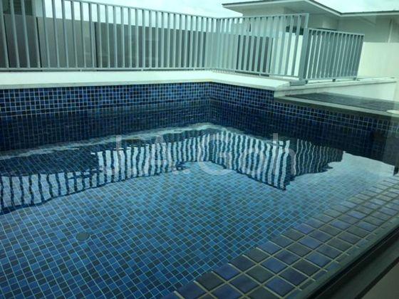 Rood Swim Pool
