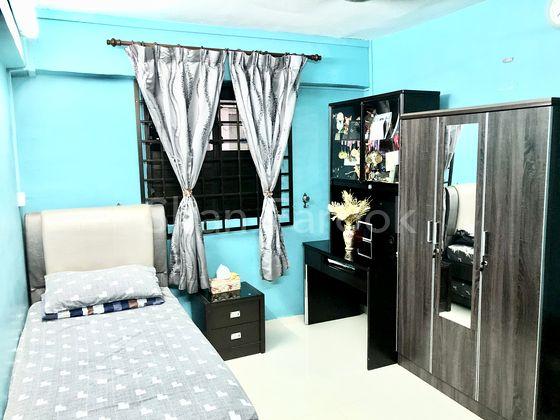 ATTRACTIVE 2ND BEDROOM