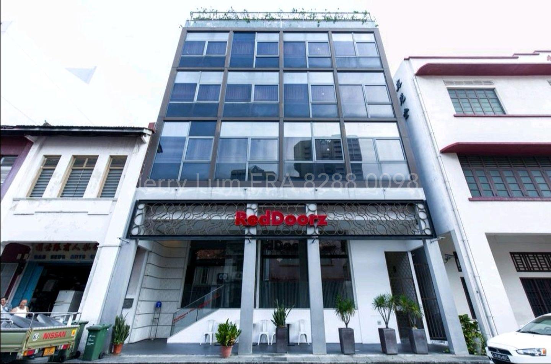Red Doorz Hotel