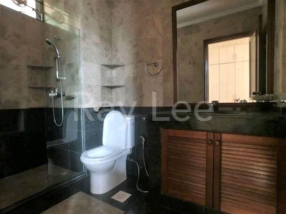 Beechwood Grove Level 3 Master Bedroom Bathroom 01