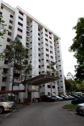 HDB-Jurong East Block 228 Jurong East