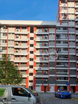 HDB-Hougang Block 450 HDB-Hougang