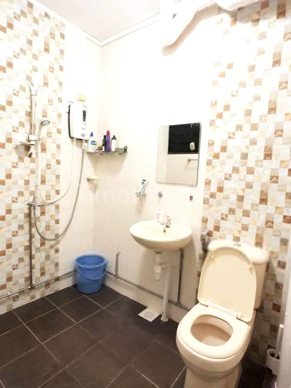 MASTER BATHROOM RENOVATED !