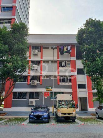 HDB-Hougang Block 438 HDB-Hougang