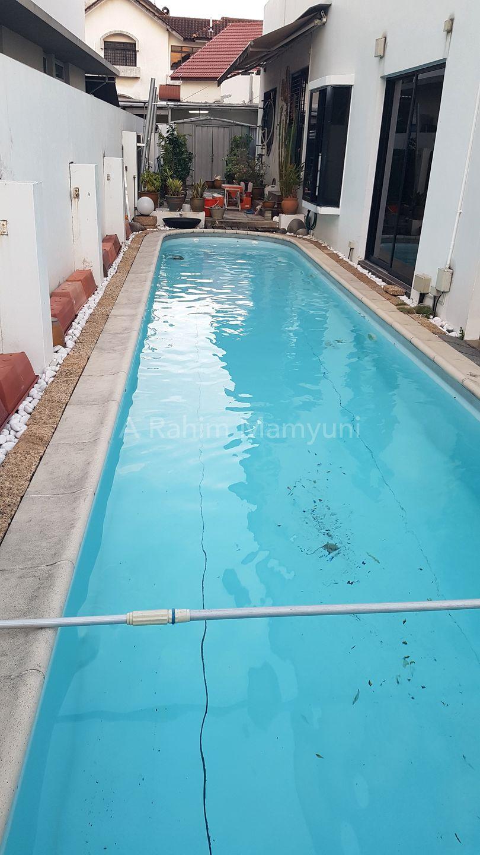 Large swimming pool - 11m x 3m