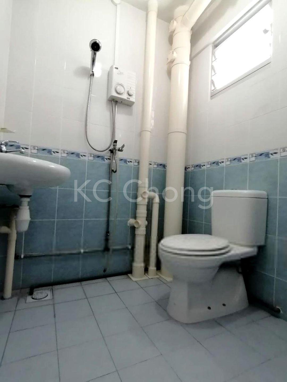 Block 210 Jurong East Street 21, High Floor - Bathroom