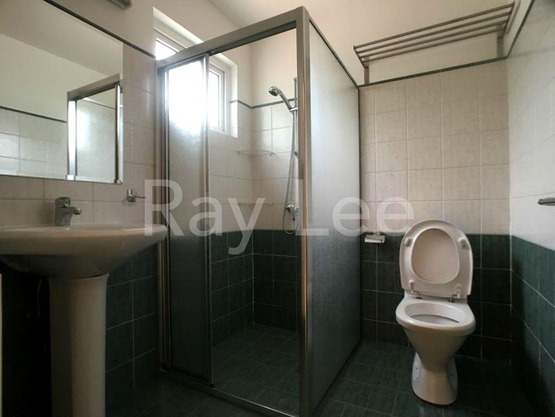 Woodgrove Estate Master Bathroom 03