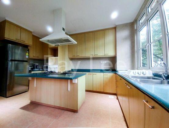 Almond Crescent - B01: Kitchen