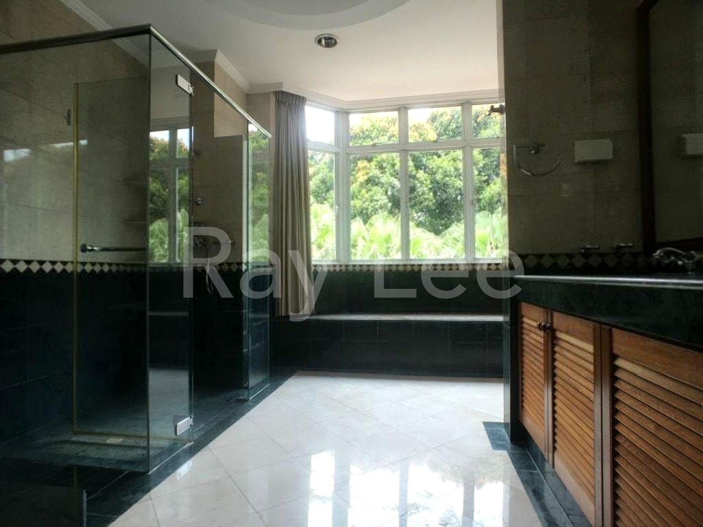 Beechwood Grove Level 2 Master Bathroom 01
