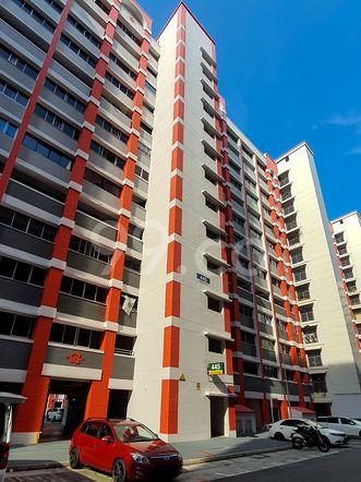 HDB-Hougang Block 445 HDB-Hougang