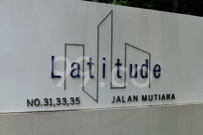 Latitude Latitude - Logo