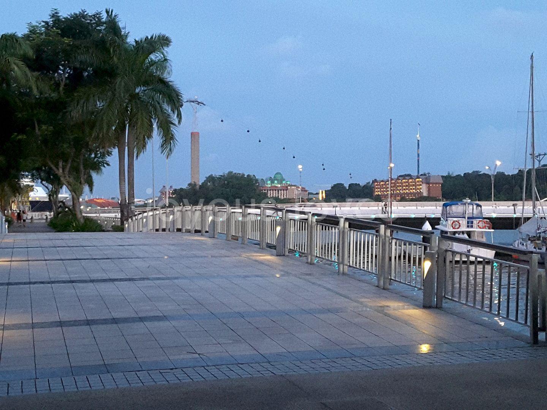 jog or stroll overlook Sentosa...leading to Bt Chermin Boardwalk 👪👫