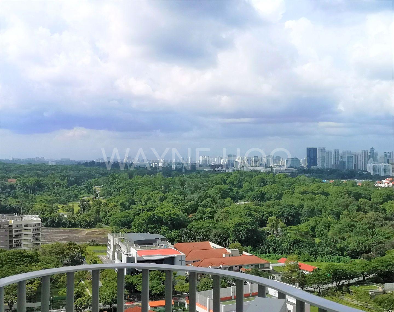 Queens Peak - Balcony view