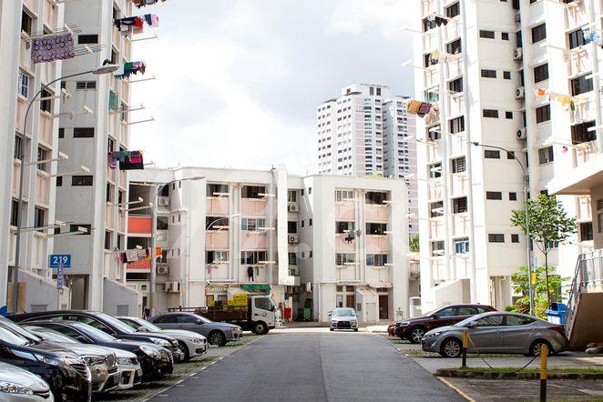 HDB-Jurong East Block 217A Jurong East