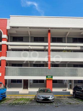 HDB-Hougang Block 441 HDB-Hougang