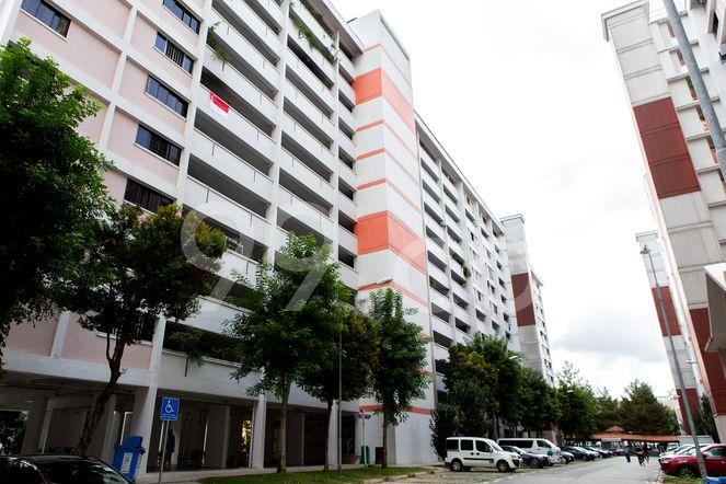 HDB-Jurong East Block 231 Jurong East