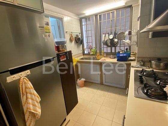 kitchen with proper window ventilation