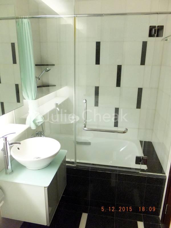 Master Ensuite Bathroom with Long bathtub