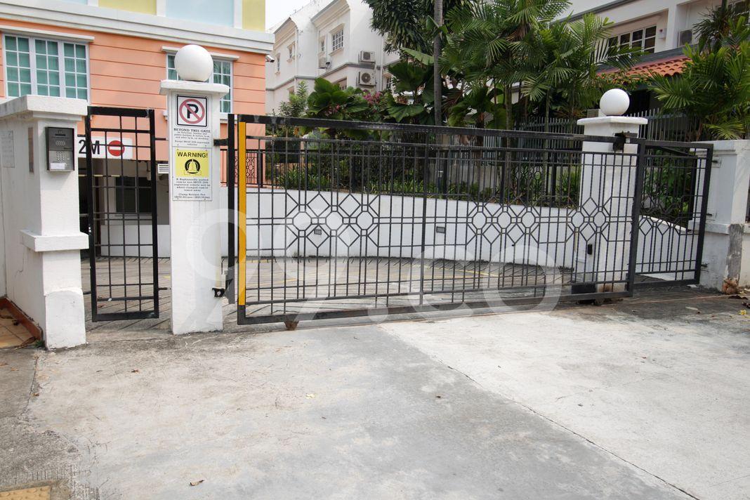 Livingston Mansions  Entrance