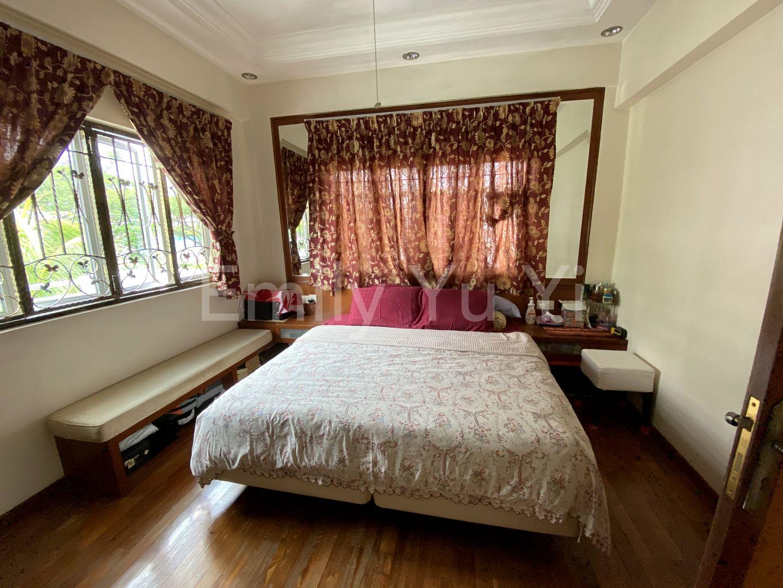 3rd floor Junior master bedroom