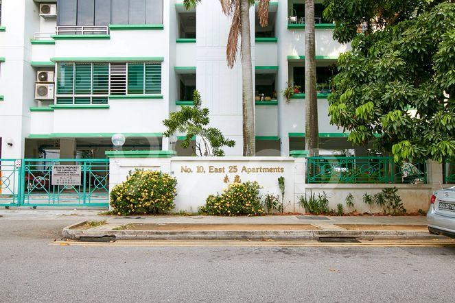 East 25 Apartments East 25 Apartments - Entrance